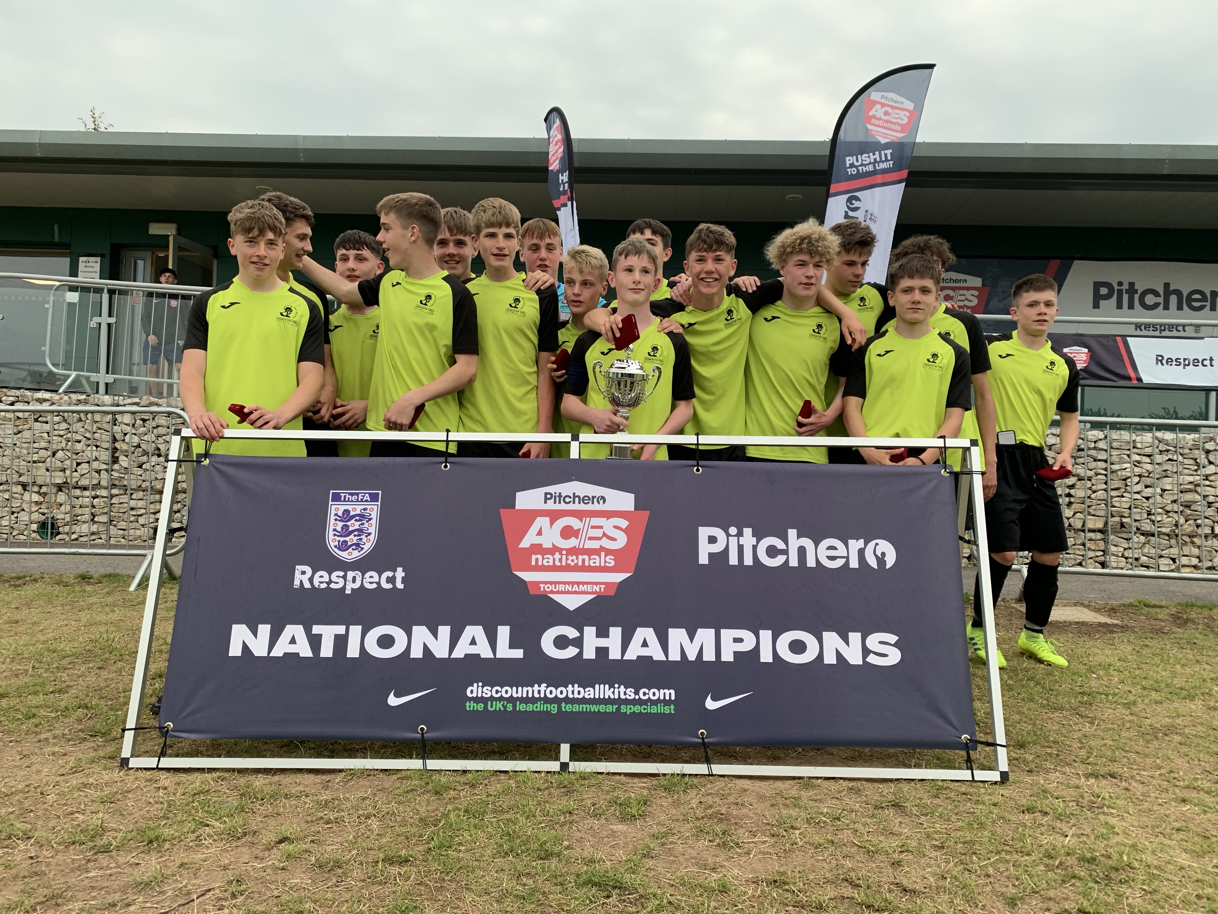 2019's U16 champions, Cirencester Town, representing Gloucester